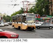 Купить «Трамвай на перекрестке, маршрут №39», фото № 3684746, снято 13 июня 2012 г. (c) Андрей Ерофеев / Фотобанк Лори