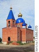 Купить «Строящаяся церковь», эксклюзивное фото № 3686070, снято 8 июля 2012 г. (c) Игорь Веснинов / Фотобанк Лори