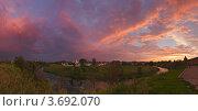 Купить «Летний закат в Суздале», фото № 3692070, снято 10 июля 2010 г. (c) Павел Широков / Фотобанк Лори
