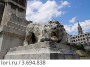 Купить «Скульптура льва в исторической части Лиона (объект ЮНЕСКО), Франция», фото № 3694838, снято 11 июля 2012 г. (c) Иван Марчук / Фотобанк Лори