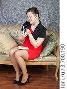 Купить «Радостная девушка с пачками денег», фото № 3700190, снято 9 апреля 2011 г. (c) Сергей Дубров / Фотобанк Лори