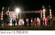 Купить «Люди отдыхают на атракционах в парке(Таймлапс)», видеоролик № 3709810, снято 16 сентября 2010 г. (c) Losevsky Pavel / Фотобанк Лори