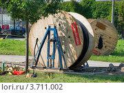Купить «Катушка с кабелем», эксклюзивное фото № 3711002, снято 27 июля 2012 г. (c) Александр Щепин / Фотобанк Лори