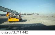 Купить «Вид на аэропорт через окно автобуса», видеоролик № 3711442, снято 4 октября 2010 г. (c) Losevsky Pavel / Фотобанк Лори