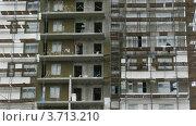 Купить «Рабочие работают на строительной площадке, таймлапс», видеоролик № 3713210, снято 23 сентября 2010 г. (c) Losevsky Pavel / Фотобанк Лори
