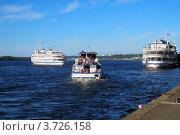 Купить «Корабли у пристани города Перми», эксклюзивное фото № 3726158, снято 8 июля 2012 г. (c) Евгений Ткачёв / Фотобанк Лори