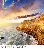 Купить «Яркий морской пейзаж. Небо и облака во время заката», фото № 3728214, снято 18 декабря 2010 г. (c) Евгений Валерьевич / Фотобанк Лори