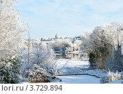 Купить «Зимний день с видом на реку и город», фото № 3729894, снято 7 декабря 2010 г. (c) Татьяна Кахилл / Фотобанк Лори