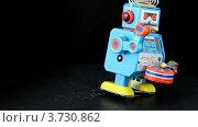 Купить «Игрушечный робот», видеоролик № 3730862, снято 29 декабря 2010 г. (c) Losevsky Pavel / Фотобанк Лори