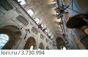 Купить «Интерьер католического собора Святой Луизы в Париже, потолок», видеоролик № 3730994, снято 13 февраля 2011 г. (c) Losevsky Pavel / Фотобанк Лори