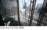Купить «Арка Дефанс в Париже, подъем на лифте», видеоролик № 3731006, снято 18 февраля 2011 г. (c) Losevsky Pavel / Фотобанк Лори