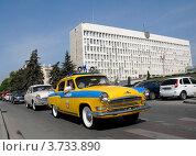 Автомобиль Волга в Пятигорске (2012 год). Редакционное фото, фотограф Илья Шкоденко / Фотобанк Лори