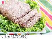 Купить «Паштет на листе салата», фото № 3734650, снято 26 июля 2012 г. (c) Юлия Маливанчук / Фотобанк Лори