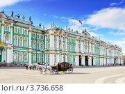 Фасад Зимнего дворца, Петербург (2012 год). Редакционное фото, фотограф Vitas / Фотобанк Лори