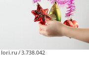 Купить «Новогодние украшения», видеоролик № 3738042, снято 17 июля 2011 г. (c) Losevsky Pavel / Фотобанк Лори