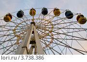 Купить «Колесо обозрения в Орле», фото № 3738386, снято 8 августа 2012 г. (c) Екатерина Шелыганова / Фотобанк Лори