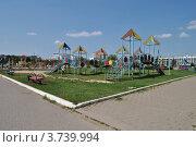Купить «Детская площадка в парке города Одинцово. Московская область», эксклюзивное фото № 3739994, снято 4 июля 2012 г. (c) lana1501 / Фотобанк Лори