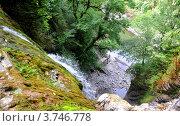 Купить «Вид с вершины водопада Ореховский на реку Сочи в Сочинском национальном парке», фото № 3746778, снято 11 августа 2012 г. (c) Анна Мартынова / Фотобанк Лори