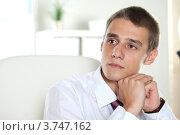 Купить «Портрет молодого мужчины в офисе», фото № 3747162, снято 10 сентября 2011 г. (c) Великова Ирина Николаевна / Фотобанк Лори