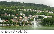 Купить «Фонтан в парке на фоне гор в Бергене, таймлапс», видеоролик № 3754466, снято 11 августа 2011 г. (c) Losevsky Pavel / Фотобанк Лори