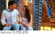 Купить «Пара влюбленных», видеоролик № 3755270, снято 24 ноября 2011 г. (c) Losevsky Pavel / Фотобанк Лори