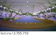 Купить «Восемь прямых беговых дорожек на стадионе», видеоролик № 3755710, снято 30 ноября 2011 г. (c) Losevsky Pavel / Фотобанк Лори