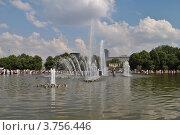 Купить «Парк Горького. Москва», эксклюзивное фото № 3756446, снято 12 августа 2012 г. (c) lana1501 / Фотобанк Лори