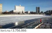 Купить «Дом Правительства Российской Федерации зимой», видеоролик № 3756866, снято 17 сентября 2011 г. (c) Losevsky Pavel / Фотобанк Лори