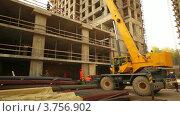 Купить «Работы на строительной площадке», видеоролик № 3756902, снято 31 августа 2011 г. (c) Losevsky Pavel / Фотобанк Лори
