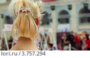 Купить «Модель с оригинальной прической на XVII Международном фестивале Мир красоты 2010», видеоролик № 3757294, снято 30 сентября 2011 г. (c) Losevsky Pavel / Фотобанк Лори