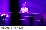 Купить «Популярный датский Диджей Armin Van Buuren на сцене», видеоролик № 3757526, снято 18 декабря 2011 г. (c) Losevsky Pavel / Фотобанк Лори