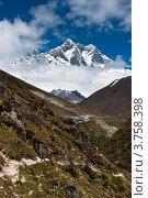 Купить «Гималаи, пик Lhotse», фото № 3758398, снято 30 сентября 2011 г. (c) Арсений Герасименко / Фотобанк Лори