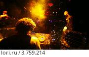 Купить «DJ SMASH в клубе Imperia Lounge», видеоролик № 3759214, снято 30 сентября 2011 г. (c) Losevsky Pavel / Фотобанк Лори