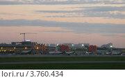Купить «Самолеты Аэрофлота стоят возле терминал Е аэропорта Шереметьево, тайм лапс», видеоролик № 3760434, снято 4 октября 2011 г. (c) Losevsky Pavel / Фотобанк Лори