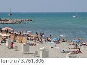 Купить «Современные пляжи Геленджика», фото № 3761806, снято 18 августа 2012 г. (c) Игорь Архипов / Фотобанк Лори