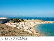 Купить «Отдых на пляже, Антиб, лазурное побережье Франции», фото № 3762622, снято 12 июня 2010 г. (c) ElenArt / Фотобанк Лори