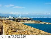 Купить «Порт Антиб, лазурное побережье Франции», фото № 3762626, снято 12 июня 2010 г. (c) ElenArt / Фотобанк Лори