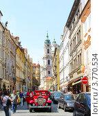 Прага, вид на Собор Святого Николая (2012 год). Редакционное фото, фотограф Екатерина Высотина / Фотобанк Лори