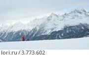 Купить «Группа туристов идет на лыжню напротив горных вершин, таймлапс», видеоролик № 3773602, снято 2 марта 2012 г. (c) Losevsky Pavel / Фотобанк Лори