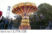 Купить «Аттракционы в парке Сокольники(таймлапс)», видеоролик № 3774138, снято 10 января 2012 г. (c) Losevsky Pavel / Фотобанк Лори
