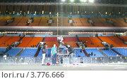 Купить «Концерт Легенды Ретро FM(таймлапс)», видеоролик № 3776666, снято 1 февраля 2012 г. (c) Losevsky Pavel / Фотобанк Лори