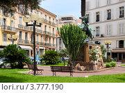 Купить «Гостиницы и памятник на бульваре Круазет. Франция, Канны», фото № 3777190, снято 13 июня 2010 г. (c) ElenArt / Фотобанк Лори