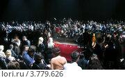 Купить «Посетители общаются до показа мод на VOLVO (таймлапс)», видеоролик № 3779626, снято 27 апреля 2012 г. (c) Losevsky Pavel / Фотобанк Лори