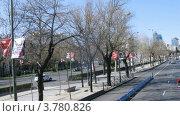 Купить «Пассажиры едут по улицам Мадрида в открытом автобусе, таймлапс», видеоролик № 3780826, снято 19 апреля 2012 г. (c) Losevsky Pavel / Фотобанк Лори