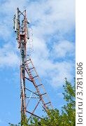 Купить «Антенна GSM и ретранслятор», фото № 3781806, снято 22 августа 2012 г. (c) Сергей Лесников / Фотобанк Лори