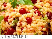 Салат из булгура и клюквы с зеленью. Стоковое фото, фотограф Вакулин Сергей / Фотобанк Лори
