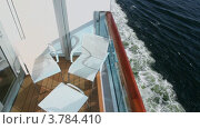 Мебель на балконе на судно, плавающего в море. Стоковое видео, видеограф Losevsky Pavel / Фотобанк Лори