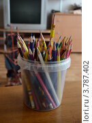 Цветные карандаши. Стоковое фото, фотограф Александр Каманин / Фотобанк Лори