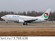 Купить «Посадка Боинга 737 авиакомпании TAJIK AIR», эксклюзивное фото № 3788638, снято 15 апреля 2012 г. (c) Сергей Крамарев / Фотобанк Лори