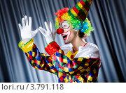 Купить «Клоун показывает длинный нос», фото № 3791118, снято 14 июня 2012 г. (c) Elnur / Фотобанк Лори
